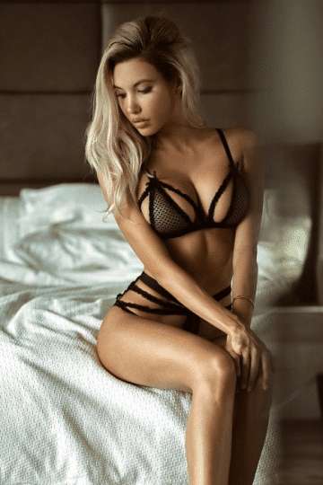 Choose Attractive Female Escorts With World Xscort Guide